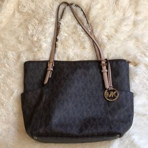 Michael Kors Jet Set Top ZIP Tote Brown Logo